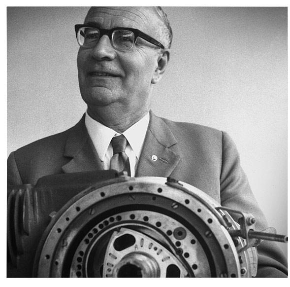 Феликс Ванкель и его первый роторный двигатель